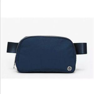 NWT LULULEMON everywhere belt bag true navy